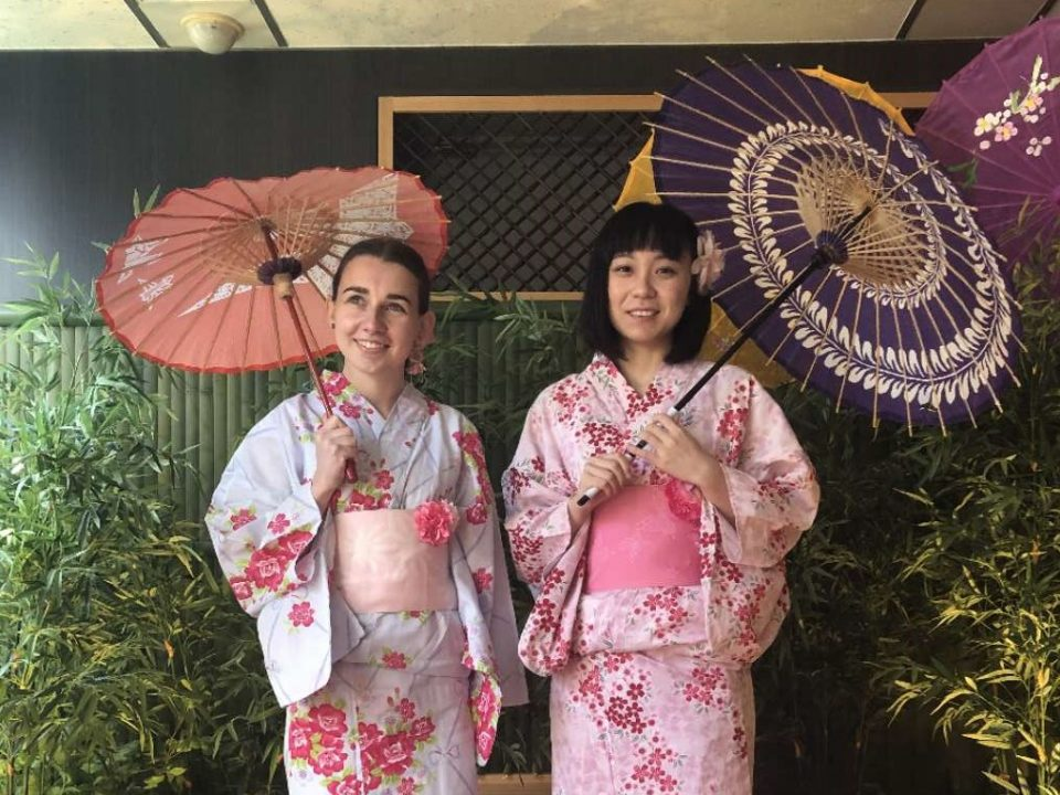 Internship in Japan - CRCC Asia interns at a tea ceremony in Tokyo in December