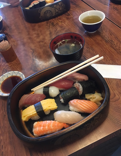 Internships for Undergrad students in tokyo sushi box